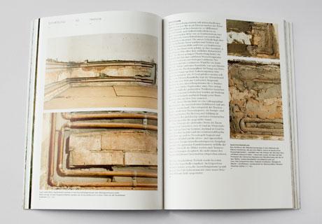 Hier ist eine Innenseite des Buches abgebildet