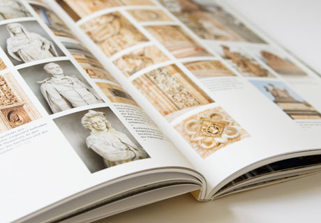 Hier wird ein Detail des Buches gezeigt